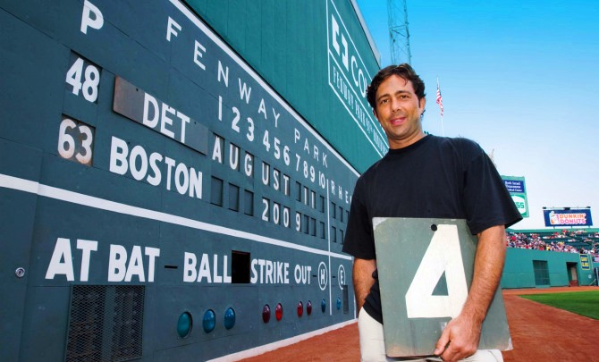 boston-fenway-park-scoreboard.jpg